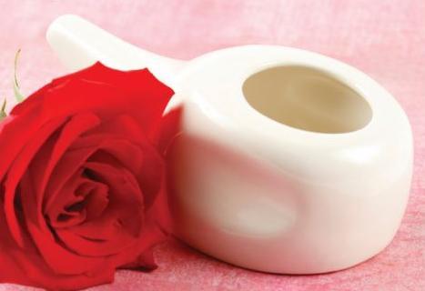 Neti pot é uma solução caseira e (relativamente) charmosa para aumentar a oxigenação na face.