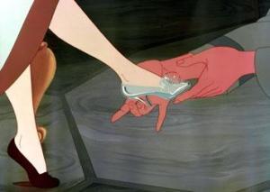 Ainda bem que Cinderela mantinha os seus pezinhos em dia!