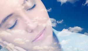 É na hora que sonhamos mais que ocorrem a maioria dos beneficios do sono para a beleza.