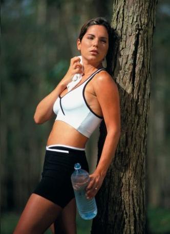 A segundas melhor ginástica para a sua pele é a aeróbica para o corpo que mantém um bom aporte de oxigênio inclusive para o rosto.