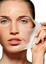 Máscaras ajudam retirar a oleosidade, mas fuja dos ingredientes irritantes!