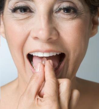 Infelzmente acabar com as rugas não está na lista de beneficios da terapia de reposição hormonal segundo as pesquisas mais recentes.