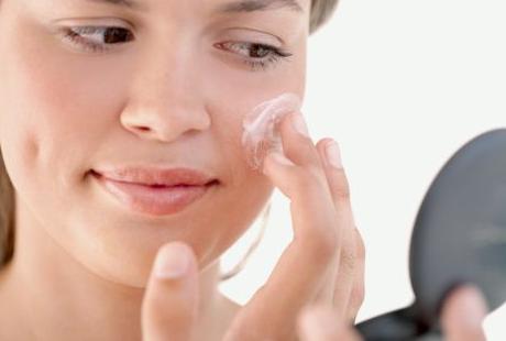 Os tratamentos tópicos ainda são uma ótima opção para os casos leves e moderados de acne.