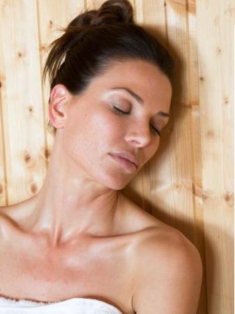 Evite extremos e mudanças bruscas de temperatura que podem agravar a vermelhidão e a inflamaão do rosto.