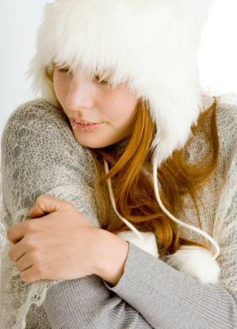 Proteger sempre a sua pele no calor e no frio evita o agravamento da Rosácea.